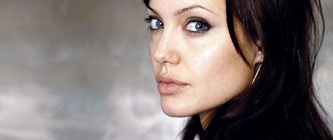 Angelina Jolie tarafından yazılan In The Land Of Blood And Honey Filminin Vizyon Tarihi Belli Oldu!