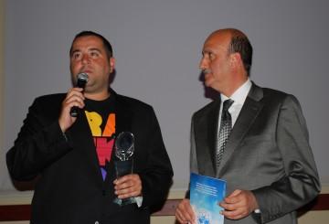 Ata Demirer, Kemal Sunal Ödülünü Aldı