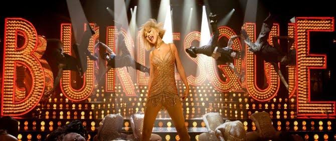 Christina Aguilera Büyülü Sesiyle Karşınızda