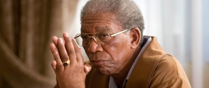 Morgan Freeman Yunuslarla Birlikte Yüzücek