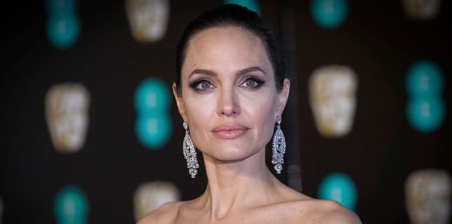 Angelina Jolie Gerilim Filmi 'The Kept'in Başrolünde!