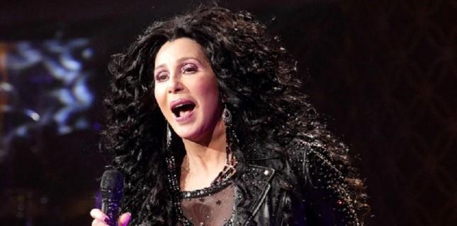 Cher 'Mamma Mia' Ekibine Katıldı