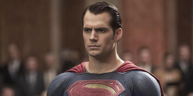 Henry Cavill Superman Rolünden Ayrılıyor