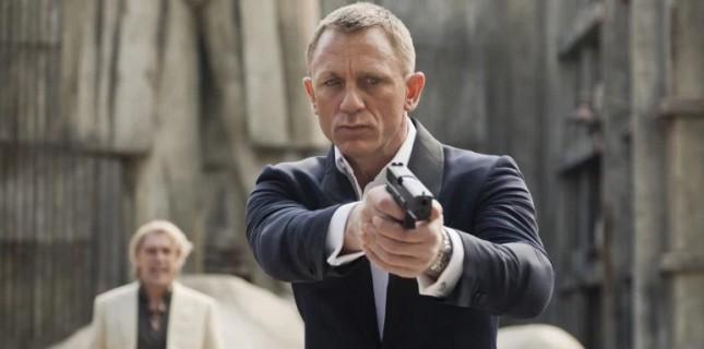 ''Bond 25'' Setinden Merak Yaratan Maskeli Kötü Adam Görüntüleri!
