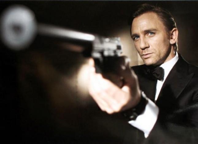 James Bond'un çekimleri olaylı başladı