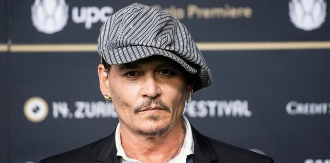Johhny Depp'i Yeni Filmi 'Minamata'da Savaş Fotoğrafçısı Rolünde İzleyeceğiz
