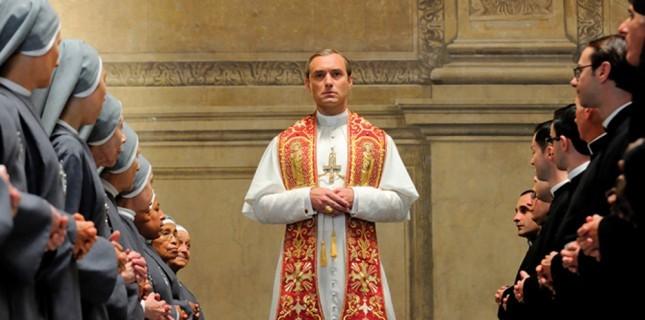 Jude Law'un Başrolünde Yer Aldığı 'The New Pope' Dizisinden İlk Kare Geldi