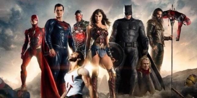 Justice League'in Çin afişlerinde şok Marvel göndermesi