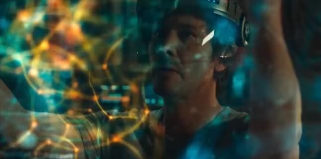 Keanu Reeves Bilimkurguya Replicas'la Dönüyor