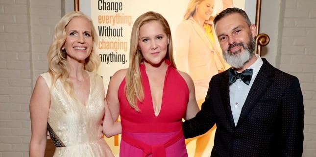 Komedyen Amy Schumer'in Yeni Filmi 'Acayip Güzelim'in İlk Altyazılı Fragmanı Çıktı
