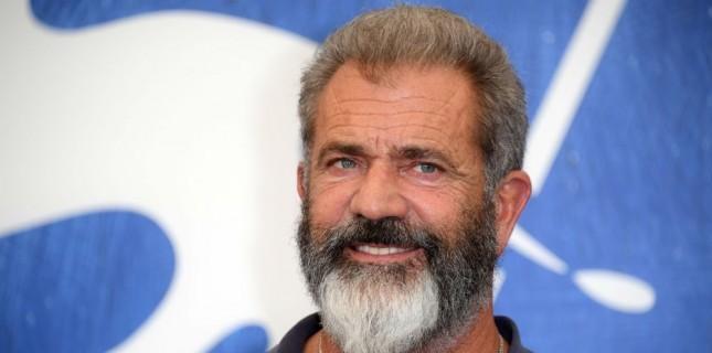 Mel Gibson Warner Bros. İçin 'The Wild Bunch' Filmini Yeniden Yazıp Yönetecek