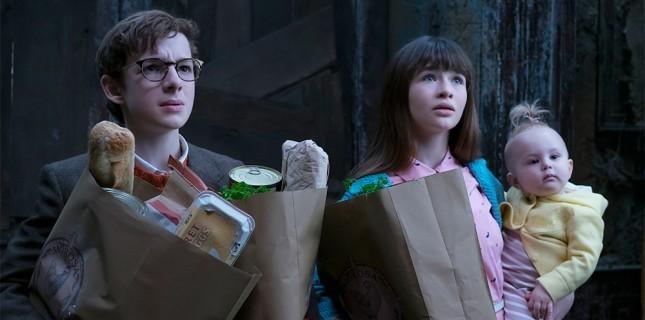 Netflix Dizisi 'A Series of Unfortunate Events'in Son Sezonuna İlk Bakış
