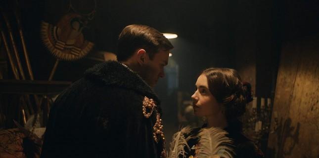 "Nicholas Hoult ve Lily Collins'li ""Tolkien"" Filminden Yeni Poster"