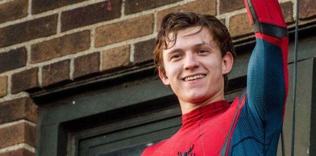 'Örümcek Adam' Tom Holland yine burnunu kırdı