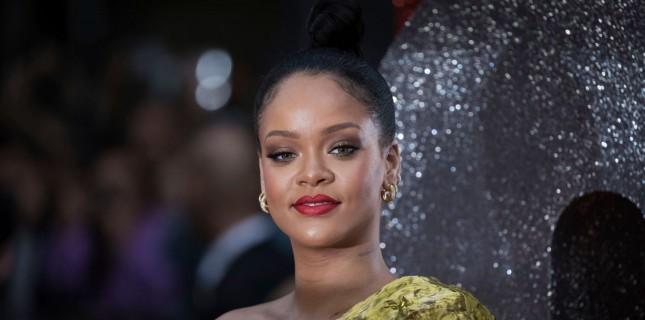 Peter Berg'den Bir Rihanna Belgeseli Geliyor