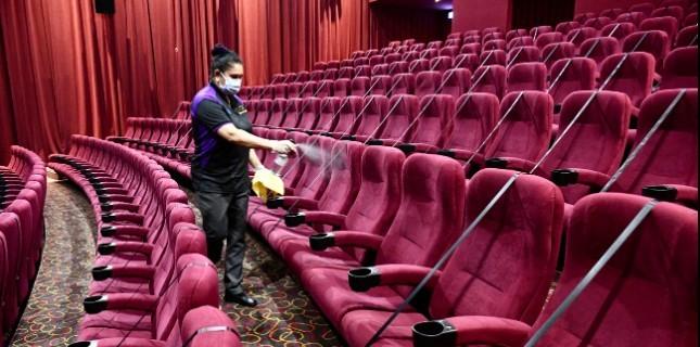 Sinema Salonlarının Açılması Bir Kez Daha Ertelendi!