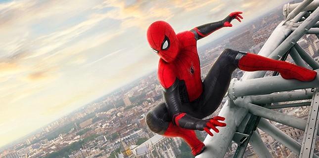 Spider-Man: Far From Home'dan Yeni Afişler!