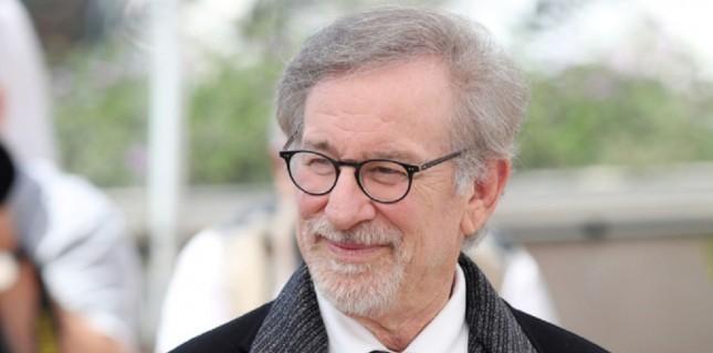 Spielberg, 10 milyar dolar gişe hasılatını geçen ilk yönetmen oldu