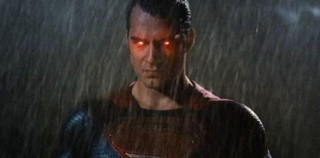 Superman'in Tema Müziğinin Yeni Haline Hazır Olun!