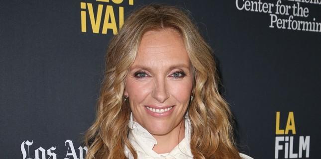 Toni Collette 'Knives Out' Kadrosuna Katıldı