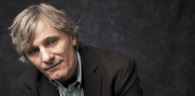 Viggo Mortensen İlk Filmi 'Falling' İçin Yönetmen Koltuğuna Geçiyor