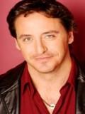 Charles Mesure profil resmi