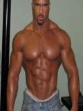 Aaron Brumfield profil resmi
