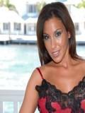 Adriana Deville pic 5