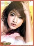 Apinya Sakuljaroensuk profil resmi