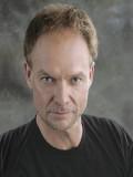 Carl Burrows profil resmi