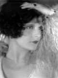 Evelyn Brent profil resmi