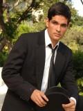 Ferdinando Valencia profil resmi