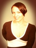 Kari French profil resmi