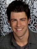 Max Greenfield profil resmi