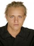 Max Van Ville profil resmi