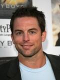 Michael Muhney profil resmi