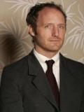 Mike Mills profil resmi