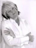 Pauline Hunt profil resmi