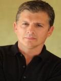 Robert Caso profil resmi