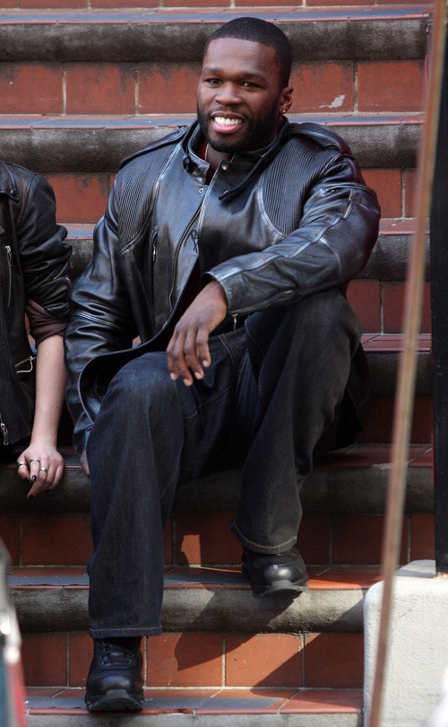 Im Sommer 2005 drehte 50 Cent einen autobiografischen Film der sein Leben und seinen Werdegang zeigen soll Dieser heißt wie sein bisher bestverkauftes Album Get