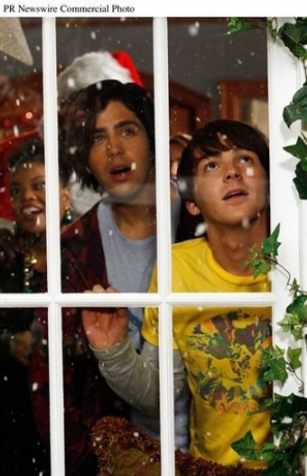 Merry Christmas, Drake & Josh Resimleri